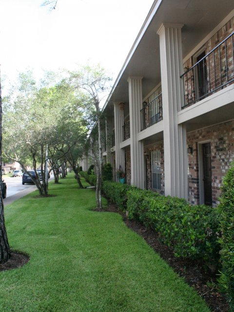 Exterior at Listing #139657