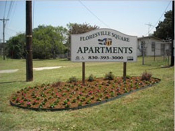 Floresville Square Apartments