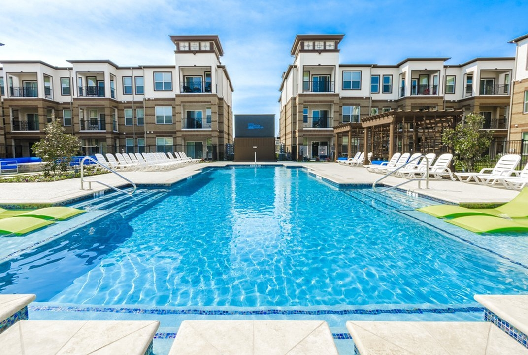 Mansions of McKinney at Listing #280698