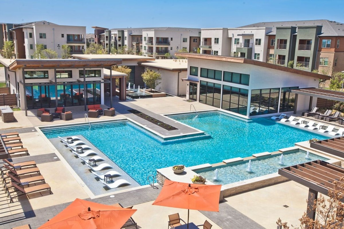 Davis Apartments , TX
