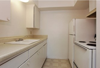Kitchen at Listing #139165