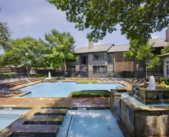 Pool at Listing #135892