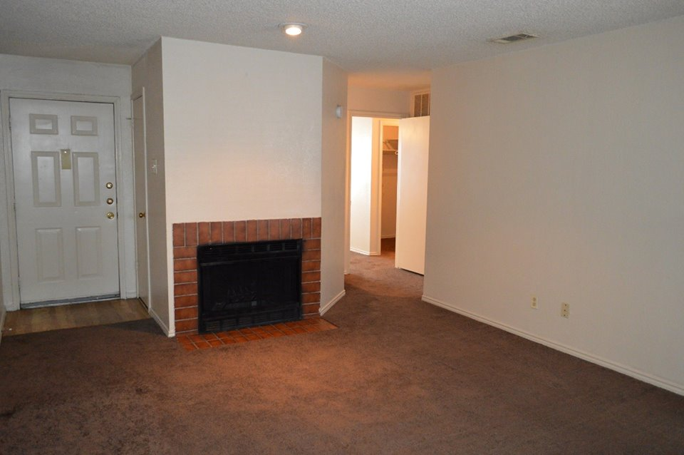 Living at Listing #136433