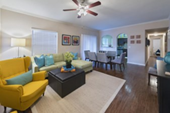Living Area at Listing #138531