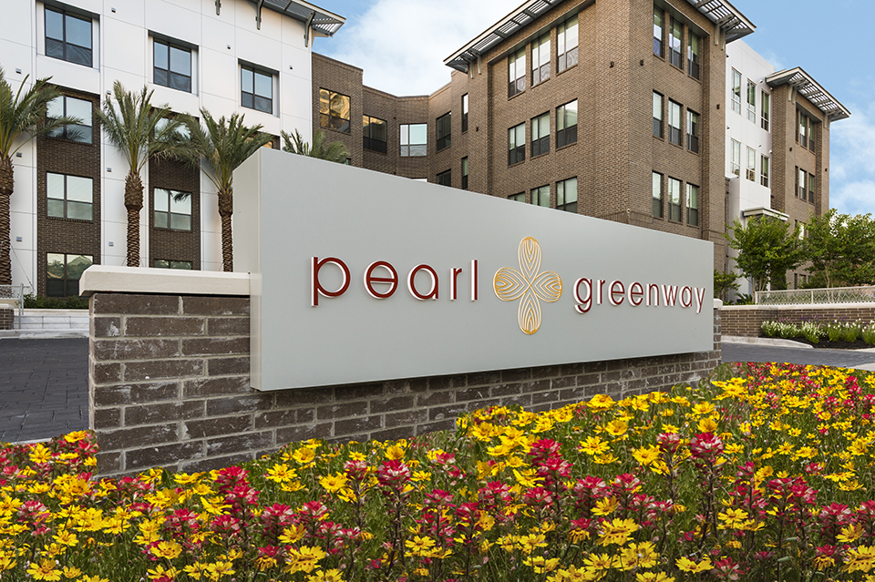 Pearl Greenway Apartments Houston, TX