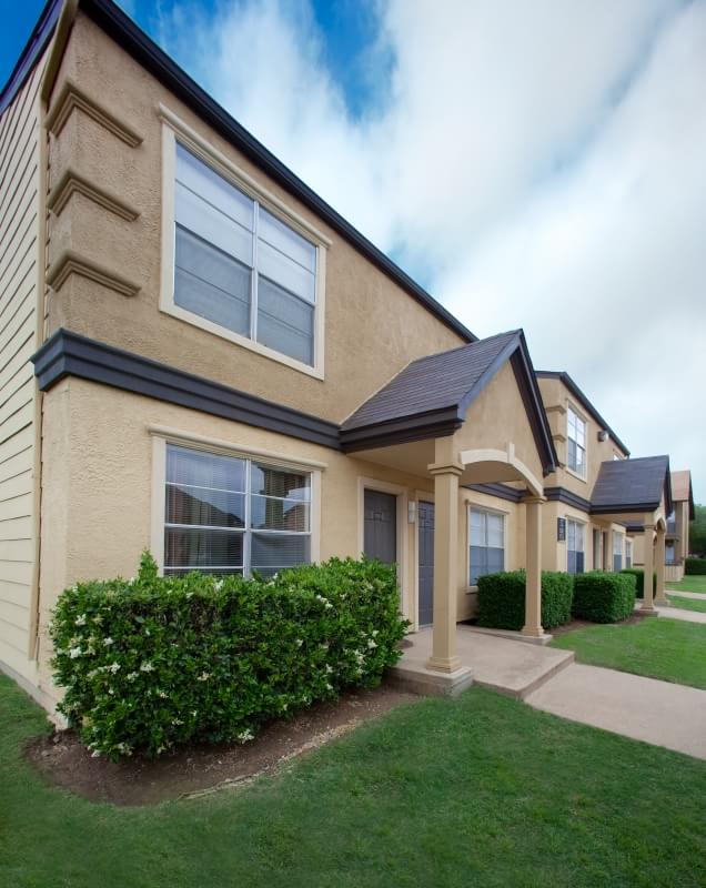 Exterior at Listing #136183