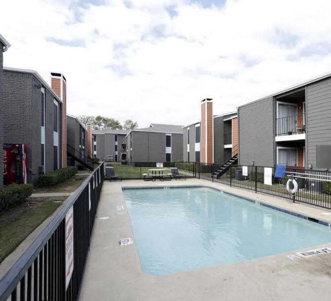 Pool at Listing #136361