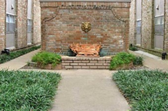 Courtyard at Listing #138888