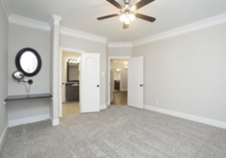Bedroom at Listing #151629