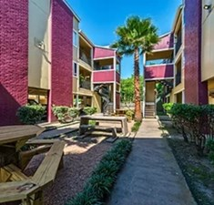 Courtyard at Listing #138394