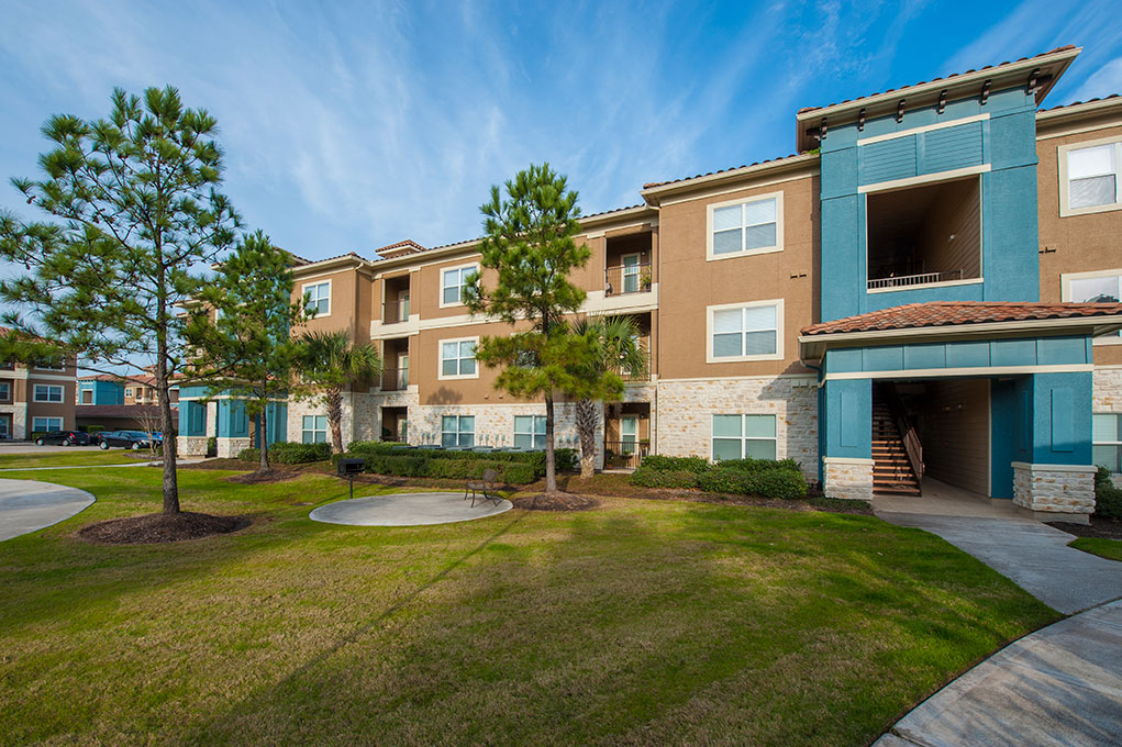 Exterior at Listing #145176