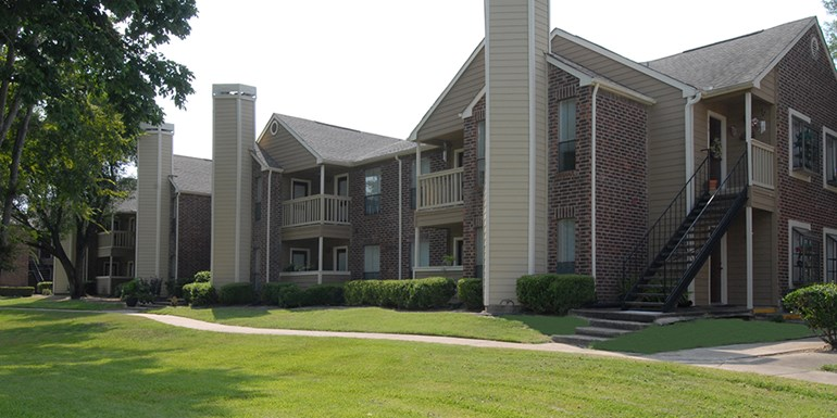 Woods on the Fairway Apartments