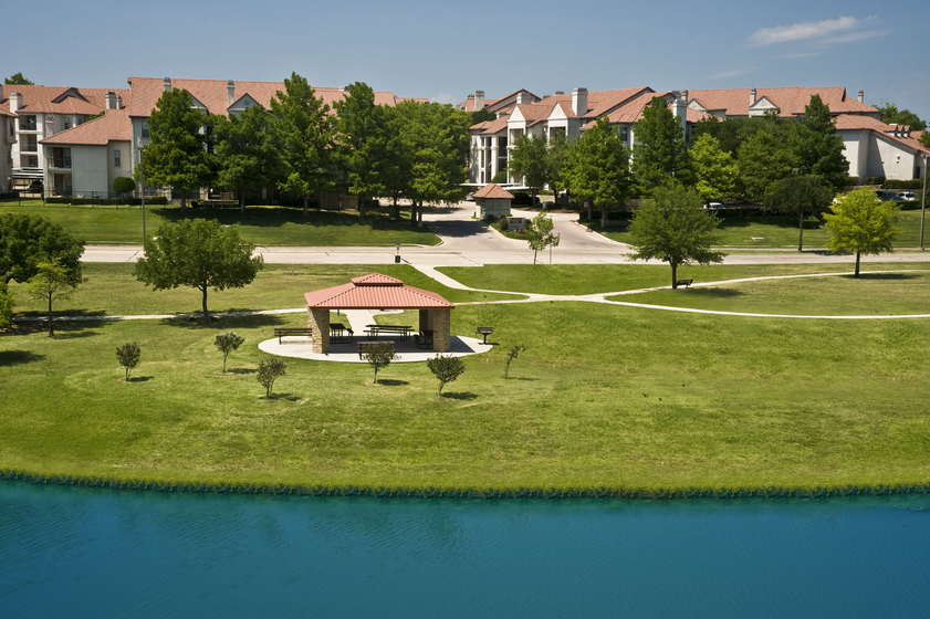 Resort at Jefferson Ridge Apartments Irving, TX