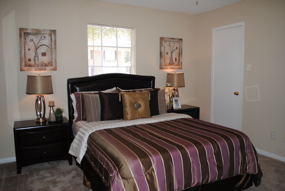 Bedroom at Listing #139666