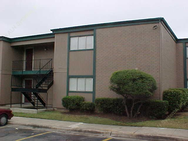 Spanish Creek ApartmentsDallasTX