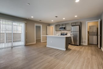 Dining/Kitchen at Listing #301201