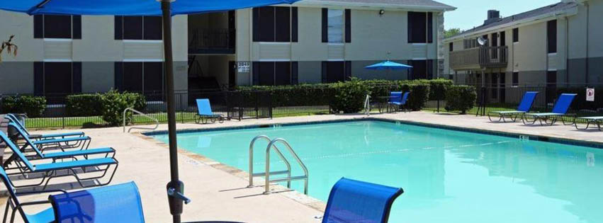 Pool at Listing #137099