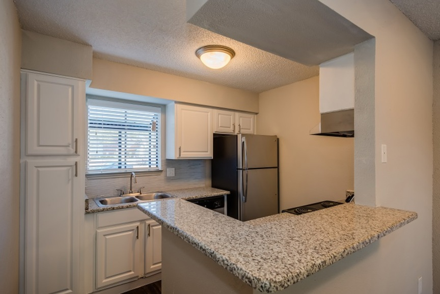 Kitchen at Listing #139244