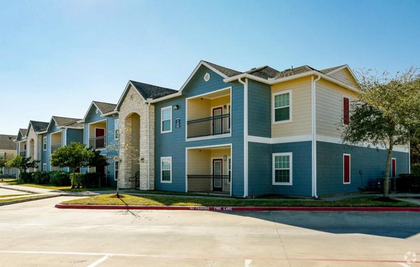 Residence at Lake Jackson Apartments