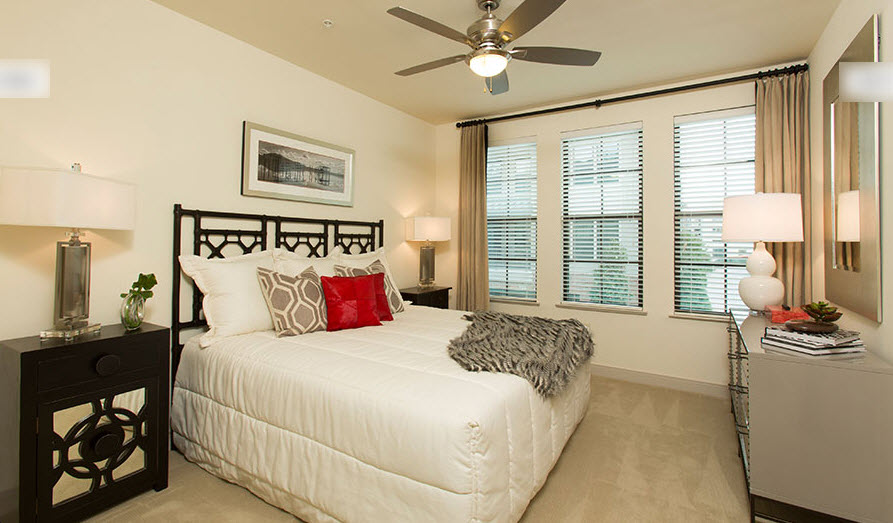 Bedroom at Listing #276675