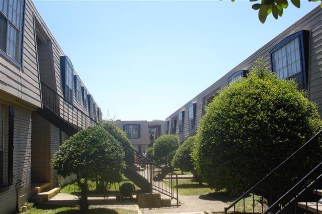 Santa Fe Trails VI ApartmentsDallasTX