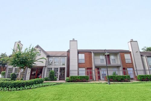 Richmond Chase Apartments Houston, TX
