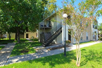 Exterior at Listing #138401