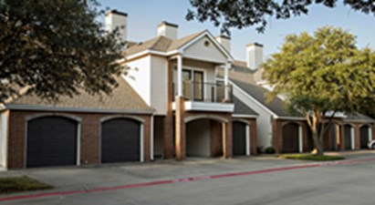 Exterior at Listing #137582