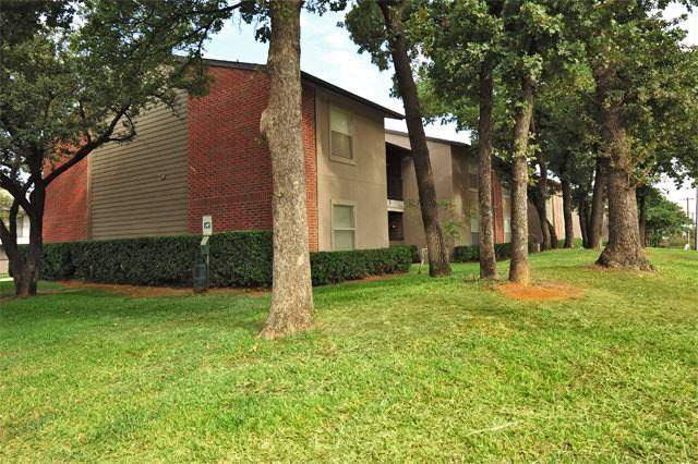 Exterior at Listing #137524