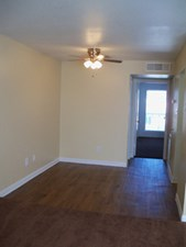 Living at Listing #139533