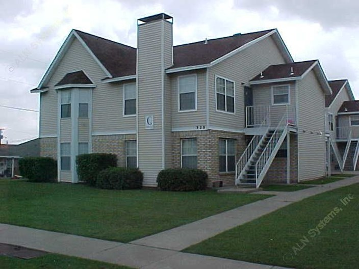 Carriage House Grand Prairie 625 For 2 Bed Apts
