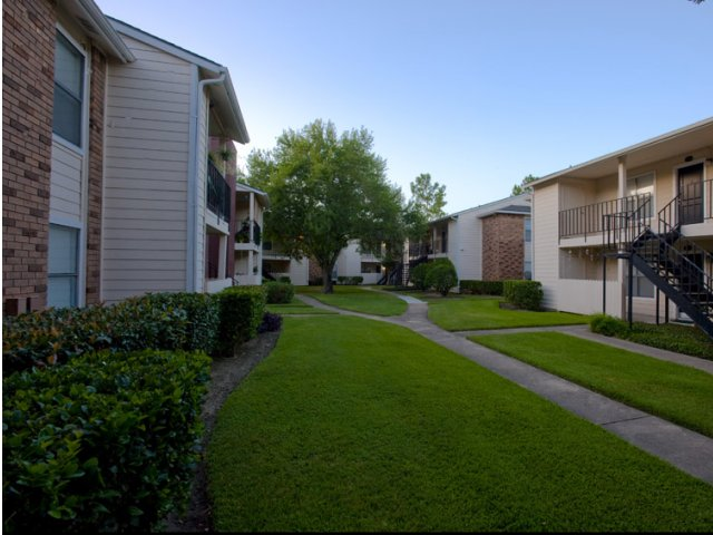 Exterior at Listing #139246