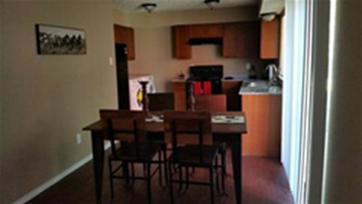 Dining at Listing #136366