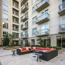 Lounge at Listing #147626