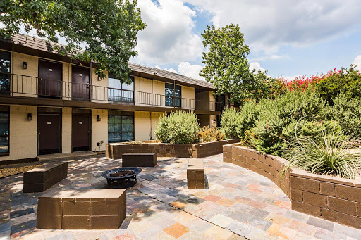 Exterior at Listing #135747