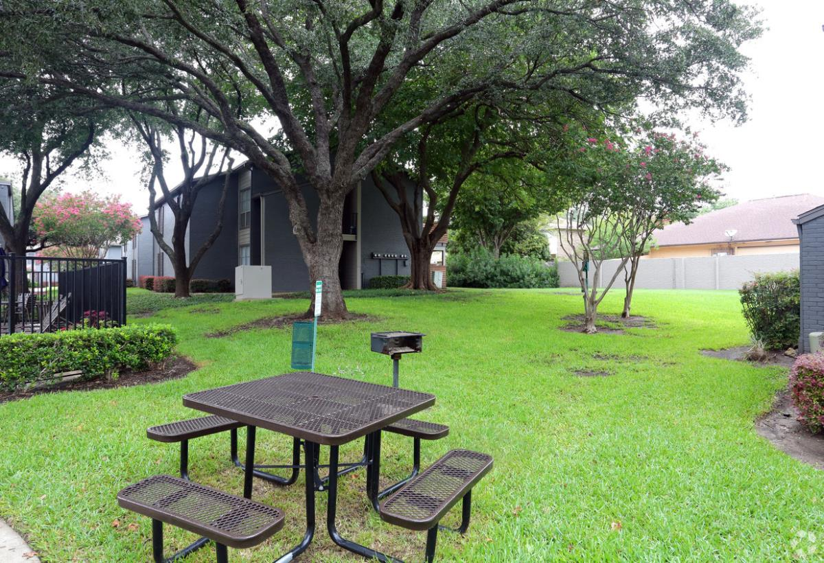 Picnic Area at Listing #135769