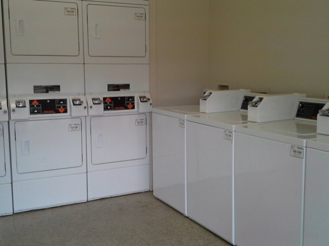 Laundry at Listing #140673
