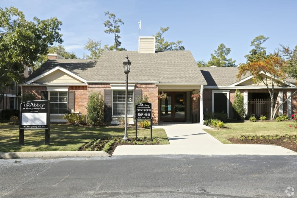 Abbey at Montgomery Park Apartments Conroe TX
