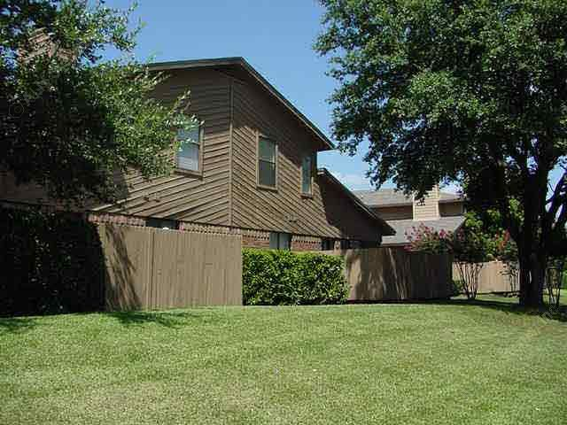 Exterior 5 at Listing #137103
