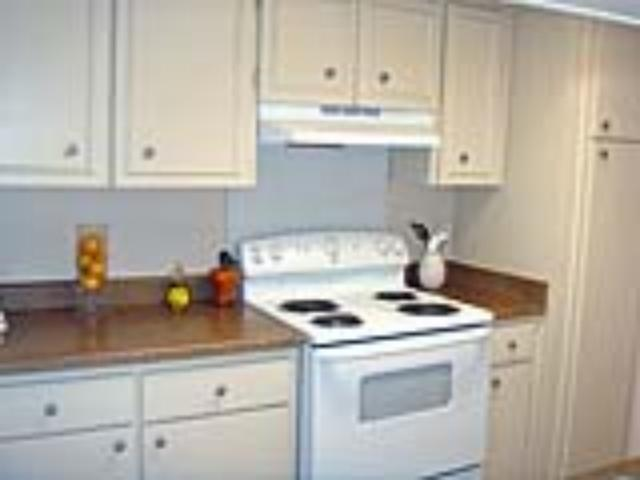 Kitchen at Listing #141123