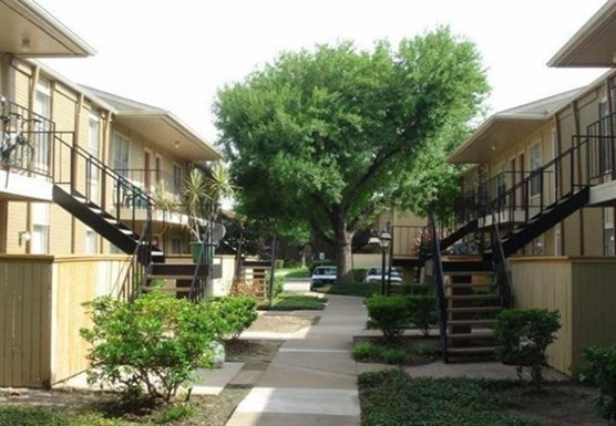 Meyerland Court Apartments
