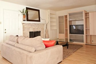 Living Room at Listing #140473