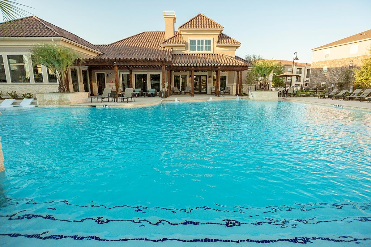 Pool at Listing #283029