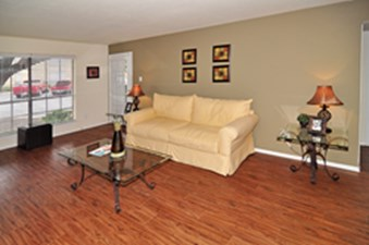 Living at Listing #136066