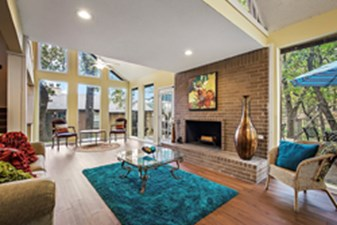 Lounge at Listing #136799