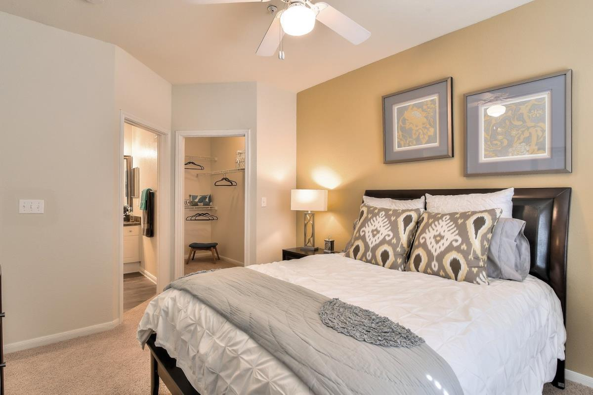 Bedroom at Listing #137747