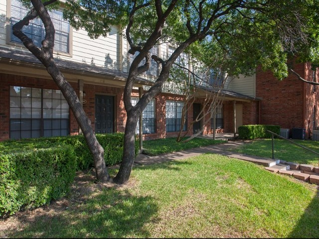 Exterior at Listing #135651