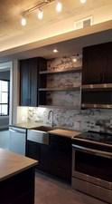 Kitchen at Listing #279577