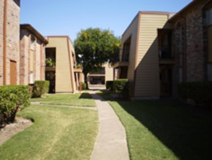 Exterior at Listing #138383