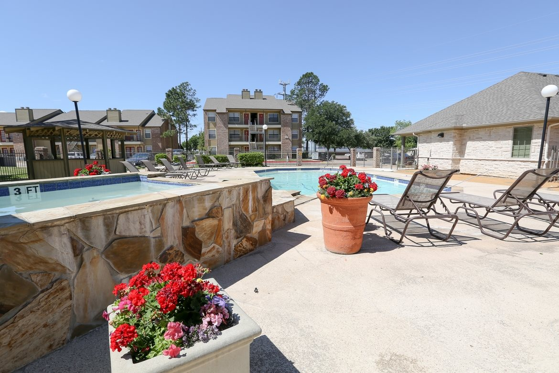 Pool at Listing #286554